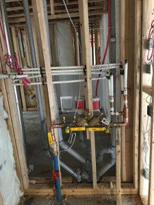 Nouvelle plomberie dans une maison neuve